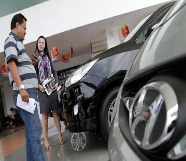 फेस्टिव सीझनमध्ये कार लोनवर आफॅर, प्रोसेसिंग फीसचा खर्च लागणार नाही बिझनेस,Business - Divya Marathi