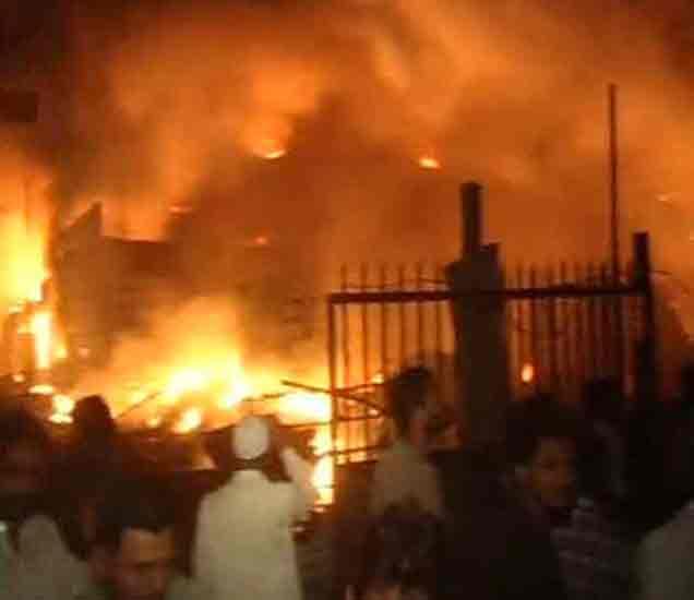 नवी मुंबईतील पावणे एमआयडीसीत तीन कंपन्यांना आग, लाखोंचे नुकसान मुंबई,Mumbai - Divya Marathi