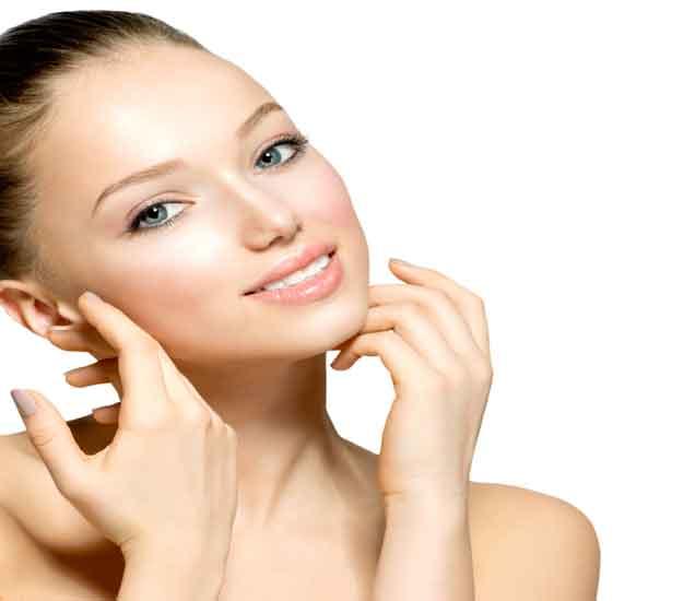 चेहर्-याला साबण नाही तर बेसन लावा, होतील हे चमत्कारी फायदे...  - Divya Marathi