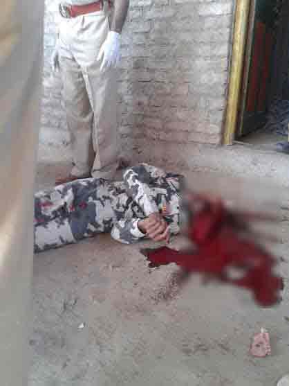 पत्नी आणि सासऱ्यावर गोळ्या झाडून सीआरपीएफ जवानाची आत्महत्या|अकोला,Akola - Divya Marathi
