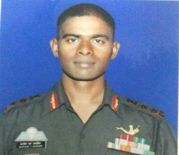 शहीद कर्नल संतोष महाडिक... - Divya Marathi