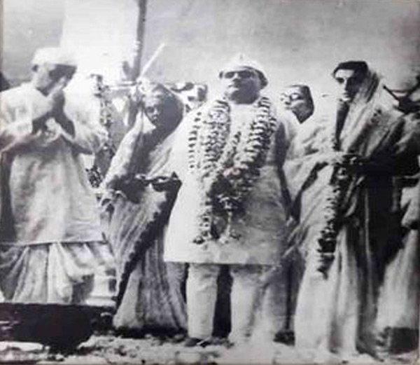 PHOTOS: नेहरूंनी बनवलेली सूती साडी  इंदिरांनी लग्नात केली होती परिधान|देश,National - Divya Marathi