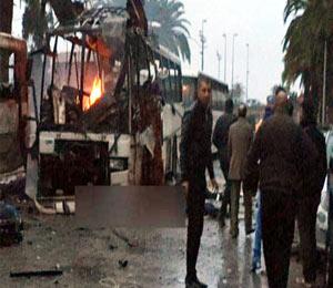 ट्यूनिशियात सुरक्षा रक्षकांच्या बसवर हल्ला, 12 ठार, 30 दिवसांची आणीबाणी जाहीर|विदेश,International - Divya Marathi