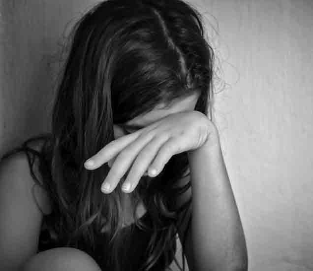 दहावीतील विद्यार्थिनीवर चार वर्गमित्रांचा बलात्कार, बनवली व्हिडिओ क्लिप|मुंबई,Mumbai - Divya Marathi