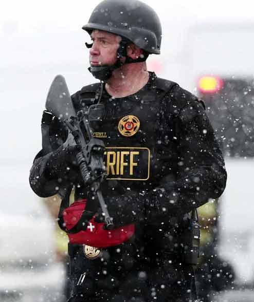 अमेरिकेत गोळीबार: तीन ठार, 11 जखमी, हल्लेखोराचे आत्मसमर्पण|विदेश,International - Divya Marathi