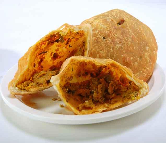 आज तयार करा हेल्दी कांदा कचोरी, वाचा रेसिपी...| - Divya Marathi