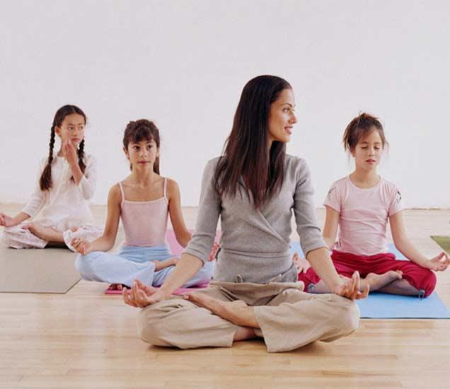 मुलांची ग्रोथ आणि चांगल्या हेल्थसाठी फायदेशीर आहेत हे 3 योगासन  - Divya Marathi