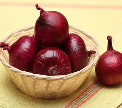 जाणुन घ्या, लाल कांदा खाल्ल्याने शरीराला कोणते फायदे होतात...| - Divya Marathi