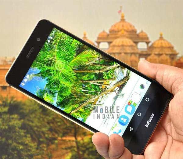 BlackBerry, मायक्रोसॉफ्टसह अनेक कंपन्यांनी Novमध्ये लॉन्च केले 35 हायटेक फोन बिझनेस,Business - Divya Marathi