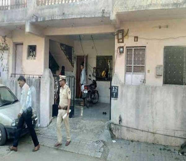 पुणे: वाल्हेकरवाडीत सशस्त्र दरोडा, एकावर हल्ला करून 17 तोळे सोने लुटले पुणे,Pune - Divya Marathi