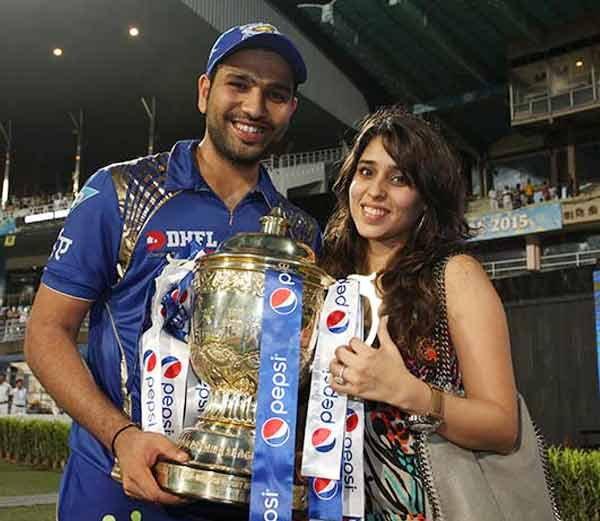क्रिकेटर रोहित शर्माने घेतली मोदींची भेट, लग्नाला येण्याचे दिले निमंत्रण देश,National - Divya Marathi
