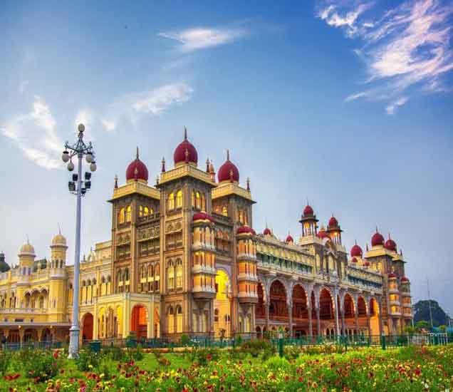 हे आहेत जगातील सर्वात सुंदर 10 महाल, भारतात देखील आहे असा 1 महाल...| - Divya Marathi