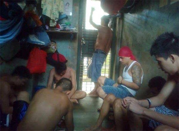 PHOTOS: या तुरुंगात अय्याशी करतात कैदी, मिळतात ड्रग्ससह इतर अमली पदार्थ| - Divya Marathi