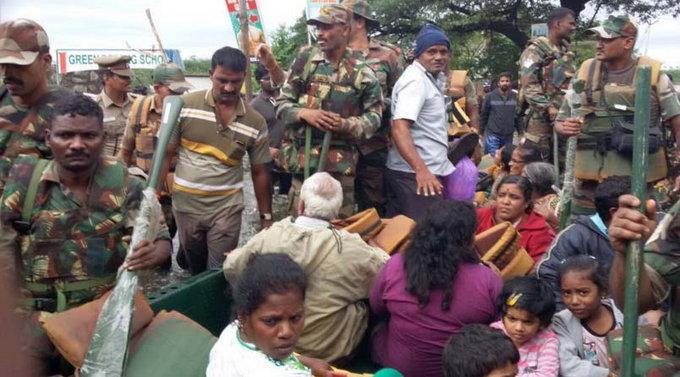 चेन्नईत पाऊस थांबला, संकट कायम, मृतांचा आकडा तीनशेंवर|देश,National - Divya Marathi