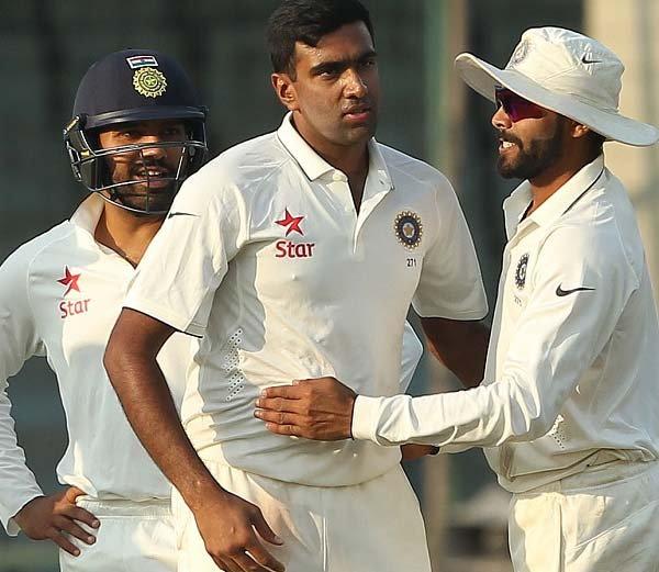 टीम इंडिया मजबूत स्थितीत, द. आफ्रिकेला १२१ धावांत गुंडाळले|स्पोर्ट्स,Sports - Divya Marathi