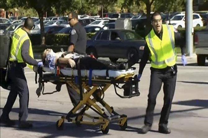 अमेरिकेत अंदाधुंद गोळीबार, १४ ठार, हल्लेखोरांचा मृत्यू|विदेश,International - Divya Marathi