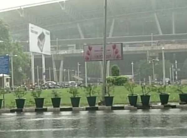 चेन्नईत पुन्हा पाऊस, पाच दिवसांनंतर चेन्नईहून पोर्ट ब्लेअरसाठी विमानाचे उड्डाण|देश,National - Divya Marathi