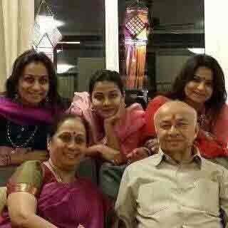 B\'day: या आहेत महाराष्ट्राच्या ग्लॅमरस महिला आमदार, घेतला होता ओवेसींसोबत पंगा सोलापूर,Solapur - Divya Marathi