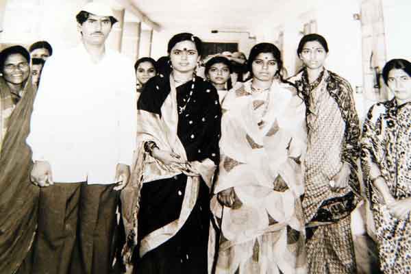 बालपणी विचारायचे मुंडे, 'माझं नाव 'गोपीनाथ' का ठेवलं? पाहा 25 दुर्मिळ फोटो|औरंगाबाद,Aurangabad - Divya Marathi