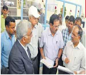 तीन वर्षांनंतर आले, तीस मिनिटे चर्चा करून गेले औरंगाबाद,Aurangabad - Divya Marathi