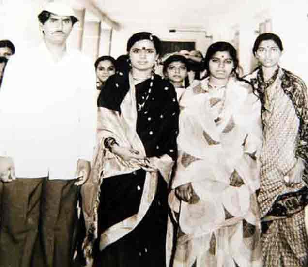 कॉलेज लाईफमध्ये होते प्रेम, वाचा असे झाले गोपीनाथ मुंडे यांचे आंतरजातीय लग्न औरंगाबाद,Aurangabad - Divya Marathi