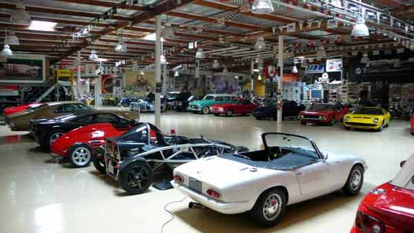 जगातील टॉप 10 कार कलेक्टर्समध्ये मुकेश अंबानीही; ताफ्यात 168 कार्स|ऑटो,Auto - Divya Marathi