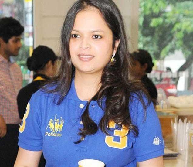 गोयंका यांची मुलगी अवर्ना जैन. - Divya Marathi