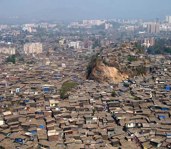 मुंबईतील धारावी ( फाईल फोटो) - Divya Marathi