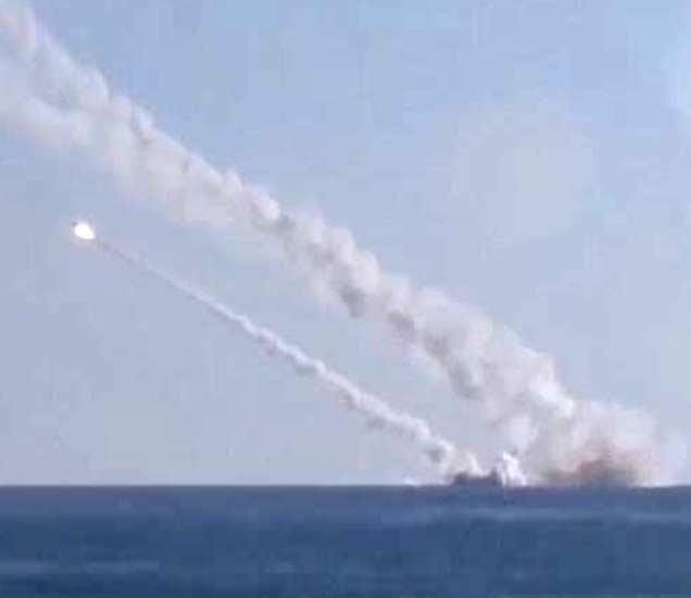 कॅस्पियन महासागरातून रशियाने सिरियामध्ये ISIS च्या तळांवर क्षेपणास्त्र हल्ले केले आहेत. - Divya Marathi
