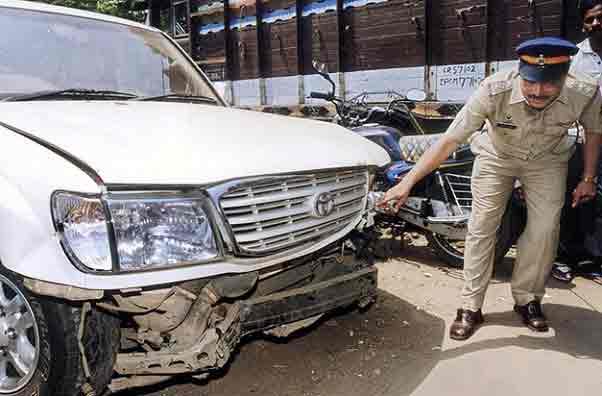 हिट अँड रन प्रकरण, १३ वर्षांनंतर संशयाचा लाभ, सलमान खान निर्दोष|मुंबई,Mumbai - Divya Marathi