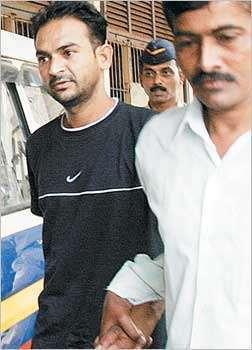 सलमान प्रकरणी रविंद्र पाटलांचा गेला हकनाक बळी तरी शेवटपर्यंत बदलला नाही जबाब| - Divya Marathi