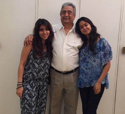 या आहेत रोहित शर्माच्या होणाऱ्या सासूबाई, पाहा सासूरवाडीचा ALBUM|स्पोर्ट्स,Sports - Divya Marathi