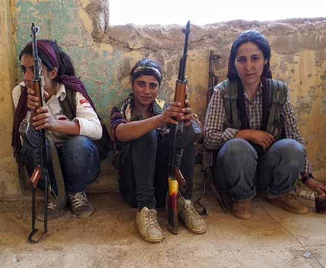 जाणून घ्या, कुर्दिश महिला फायटर्सला का घाबरतात ISIS दहशतवादी|विदेश,International - Divya Marathi