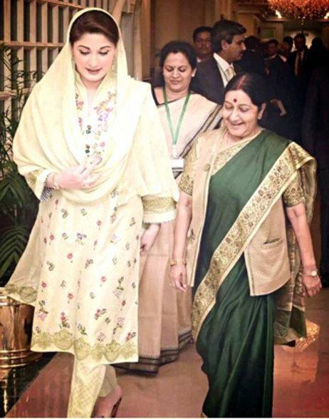 सुषमांनी घेतली PAK PM कन्या मरियम यांची भेट, म्हणाल्या- माझे आई-वडील लाहोरचे|विदेश,International - Divya Marathi