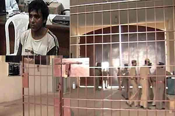 कसाब जिवंतच ! फरीदकोट शाळेच्या मुख्याध्यापकाचा पाक न्यायालयात जबाब विदेश,International - Divya Marathi