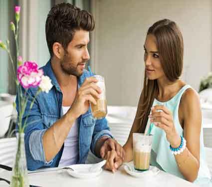 4 गोष्टी ज्या बॉयफ्रेंडला चुकूनही बोलू नये, होतो वाईट परिणाम...| - Divya Marathi
