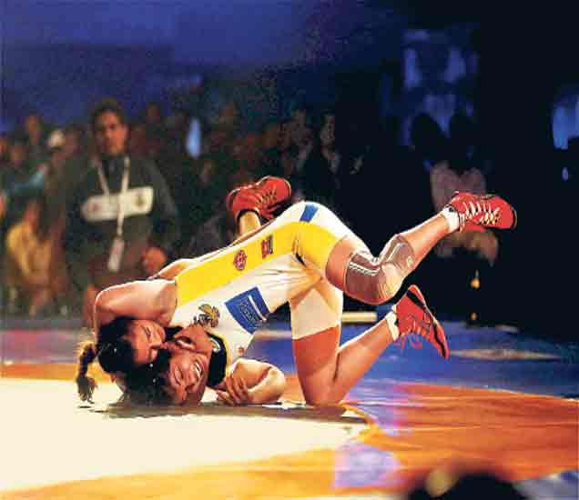 प्रो कुस्ती लीगला सुरुवात, मुंबई गरुडची विजयी झेप|स्पोर्ट्स,Sports - Divya Marathi