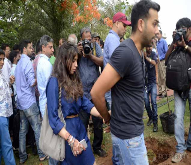 रोहित-रितिकाची LOVE स्टोरी : मैदानावर फिल्मी स्टाइलने केले होते प्रपोज|स्पोर्ट्स,Sports - Divya Marathi