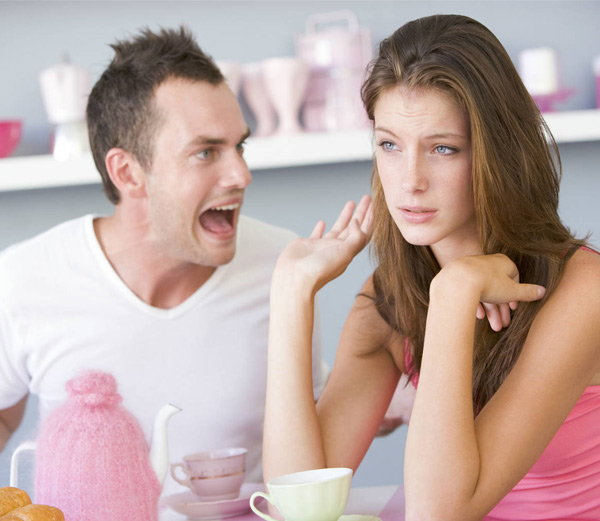 तरुणींसोबत चुकूनही बोलू नका या 5 गोष्टी, येऊ शकतो नात्यात दूरावा...| - Divya Marathi