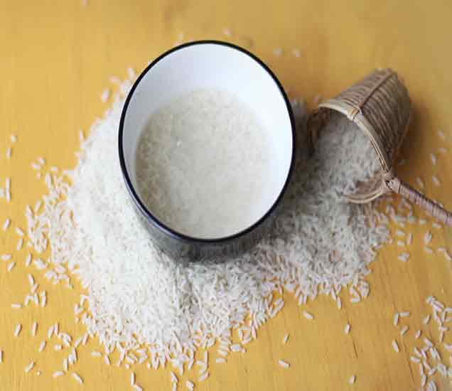 तांदळाच्या पाण्याने चेहरा धुण्याचे आहेत हे आश्चर्यकारक फायदे...| - Divya Marathi