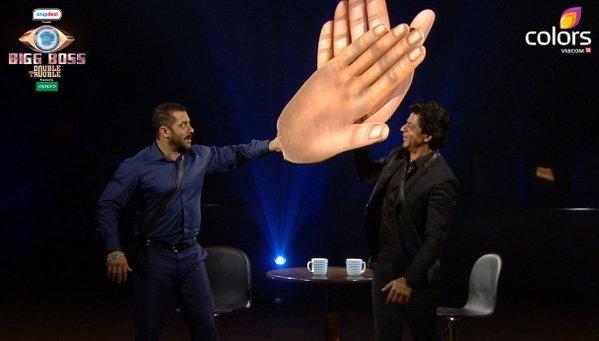 Bigg Bossमध्ये शाहरुख-सलमानची धमाल-मस्ती, एकमेकांना मारली थोबाडीत! टीव्ही,TV - Divya Marathi