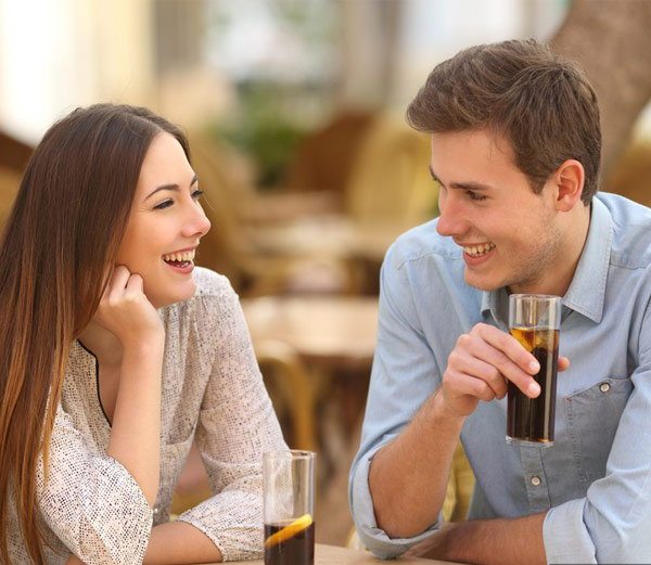 साखरपुड्यानंतर चुकूनही पार्टनरसोबत डिस्कस करुन नका या 6 गोष्टी...| - Divya Marathi