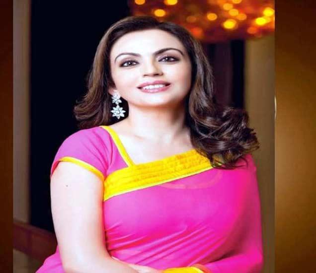 धीरुभाई अंबानींची थोरली सून; पिते सोन्याच्या कपात चहा, वापरते दीड कोटींची बॅग|बिझनेस,Business - Divya Marathi
