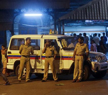 नववर्षाच्या जल्लोषावर मुंबई पोलिसांची नजर, महिलांच्या सुरक्षेसाठी विशेष उपाययोजना|मुंबई,Mumbai - Divya Marathi