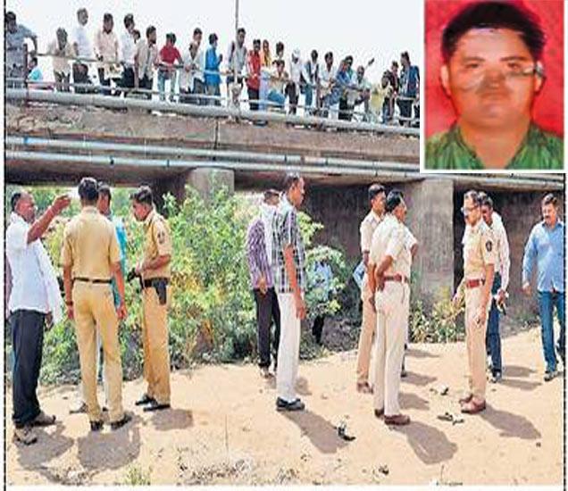 गणपती मंदिर पुलाखाली मृतदेह आढळल्याने पाहण्यासाठी झालेली गर्दी. - Divya Marathi