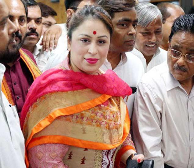 युपीमध्ये भाजप अपक्ष उमेदवार प्रीति महापात्रा यांना पाठिंबा देत आहे. (फाइल फोटो) - Divya Marathi