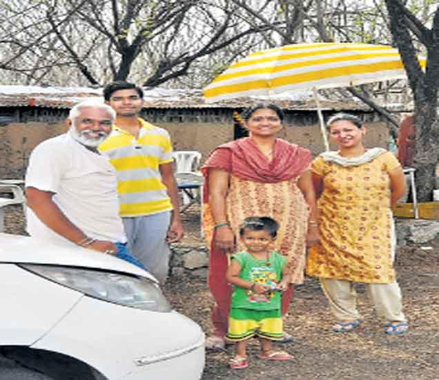 अभियंत्याचा पुणे शहर सोडून खेड्यातील ४० गुंठ्यांत संसार|सोलापूर,Solapur - Divya Marathi