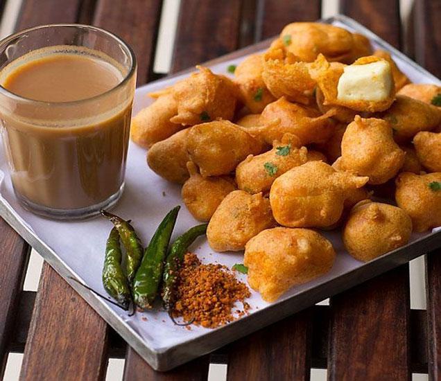 पावसात तयार करा ही गरमा-गरम भजी, 7 खमंग रेसिपी...| - Divya Marathi