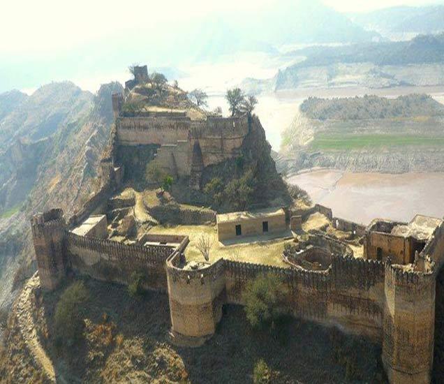 PHOTOS : मराठ्यांनी जिंकला होता पाकिस्तानातील हा किल्ला, रंजक इतिहास... पुणे,Pune - Divya Marathi