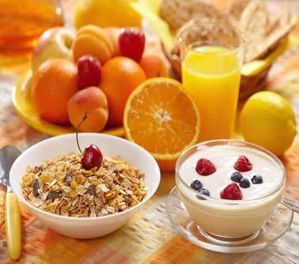 नाष्टा करतांना चुकूनही करु नका या 8 गोष्टी, आरोग्यावर होईल वाईट परिणाम  - Divya Marathi